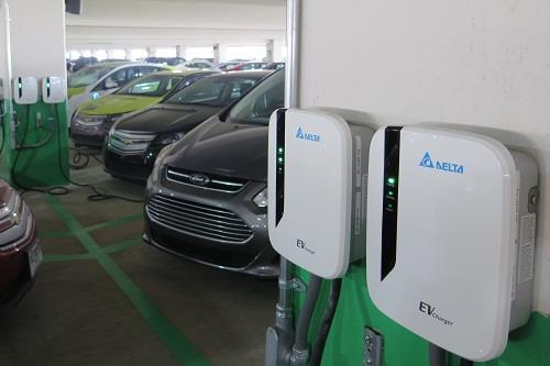 Delta deploys 24 charging stations in the MGM Grand parking garage, making it the largest cluster of smart-grid-connected charging stations in Michigan.