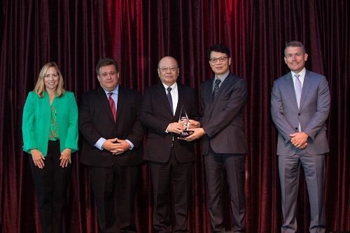 Mr. Mark Ko, vice chairman of Delta Electronics (center) and Mr. James Tang (second from the right), Delta's vice president and general manager of its Electric Vehicle Solutions Business Group, participated in the FCA Supplier Award Ceremony.
