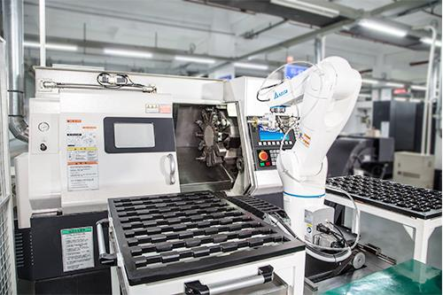 Taiwan has been playing an important role in the global machine tools industry. It has continuously improved the integration of machine tools and robot arms, and is now putting the emphasis on domestic brands of robot arms.